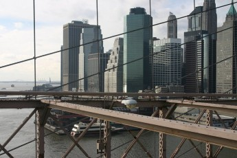 Blick nach Downtown von der Brooklyn Bridge
