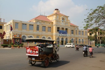 Phnom Penh - Post im Kolonialstil