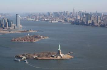 Heli-Flug in NYC: Statue of Liberty II