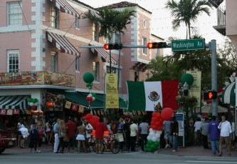 Cinco de Mayo am Espanola Way, Miami Beach