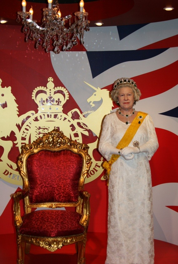 Madame Tussauds Bangkok - Queen of England II