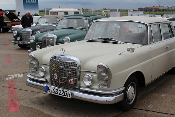 Mercedes-Benz & Friends - 125 Jahre Automobil in Tempelhof IV