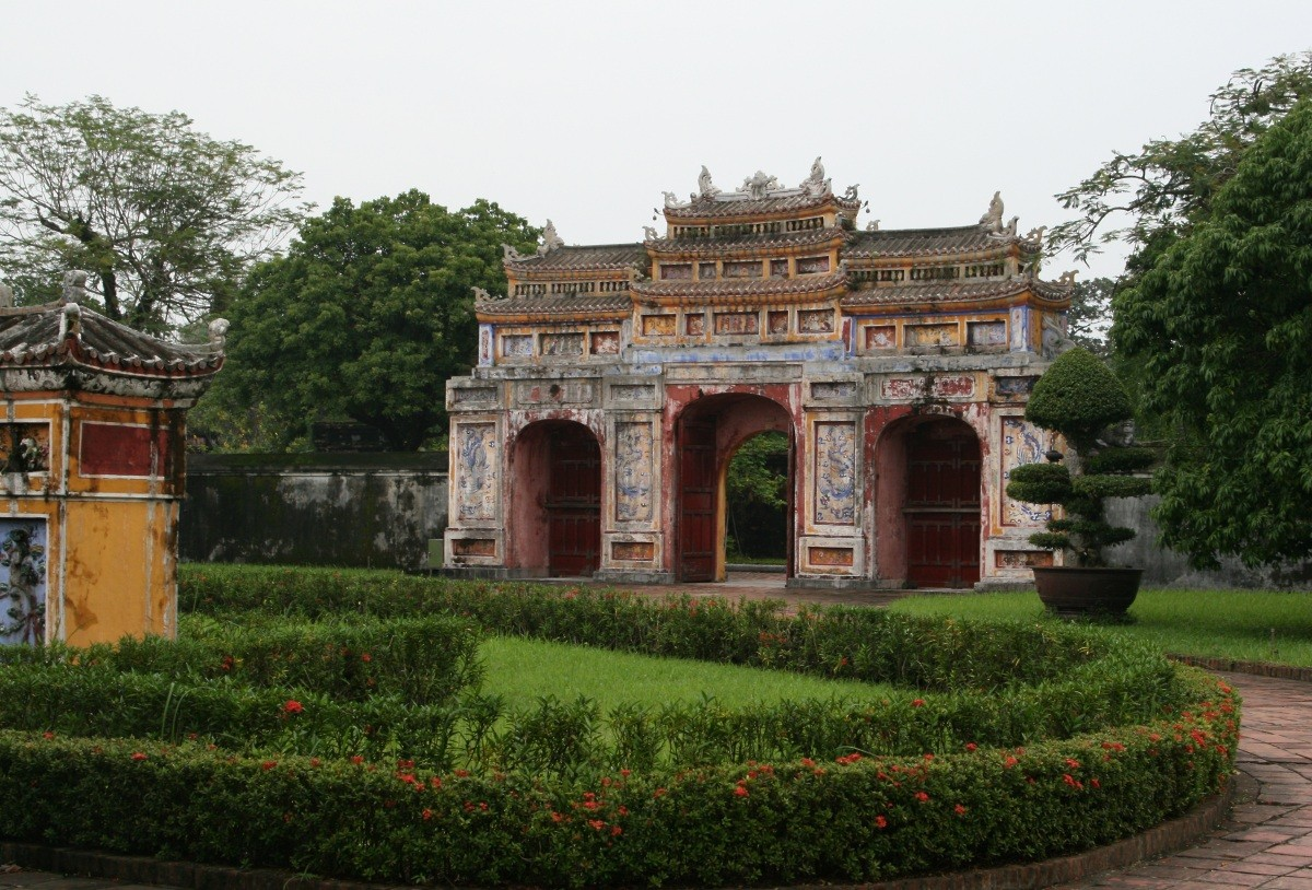 Hué - Imperial Cathedral XXIII