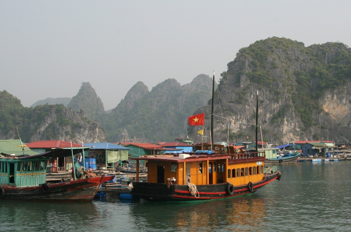 Ha Long Bay - UNESCO-Weltnaturerbe in Vietnam III