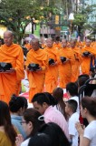 Bangkok - Mass Alms Giving in Thonglor / Sukhumvit Soi 55 XI