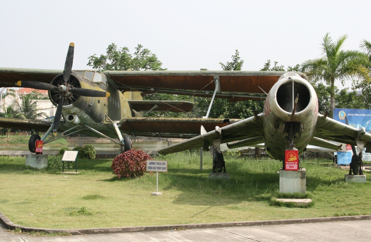 Hanoi - Air Force Museum IX