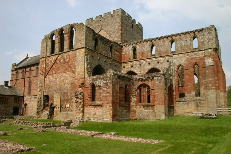 Hadrians Wall - Lanercost Priory II