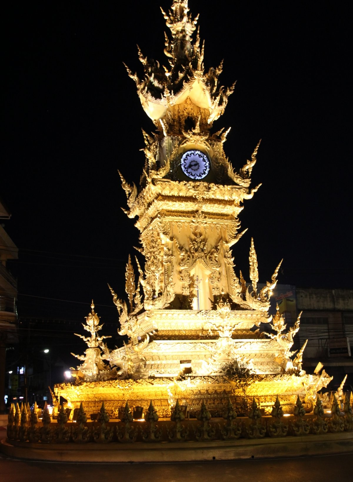 Chiang Rai - Clock Tower in der Nacht