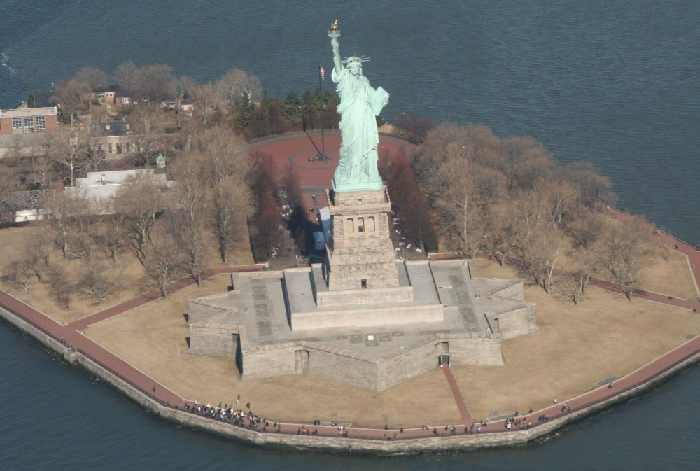 Heli-Flug in NYC: Statue of Liberty IV
