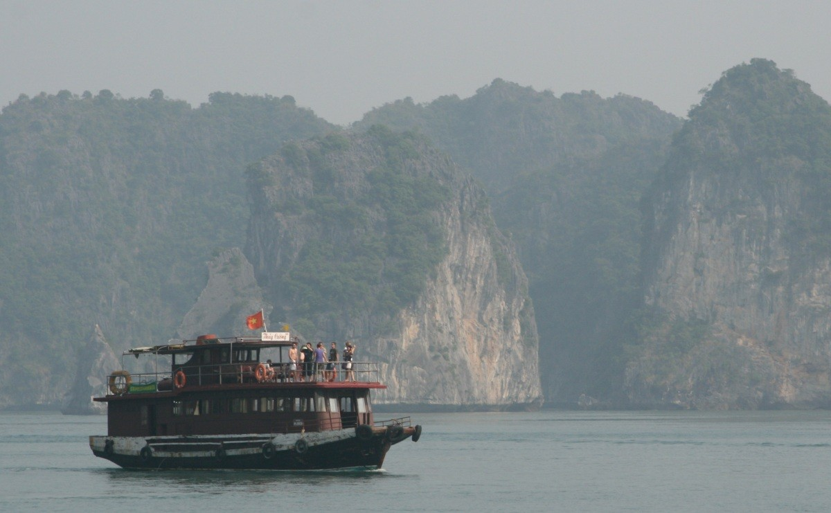 Ha Long Bay - UNESCO-Weltnaturerbe in Vietnam VI