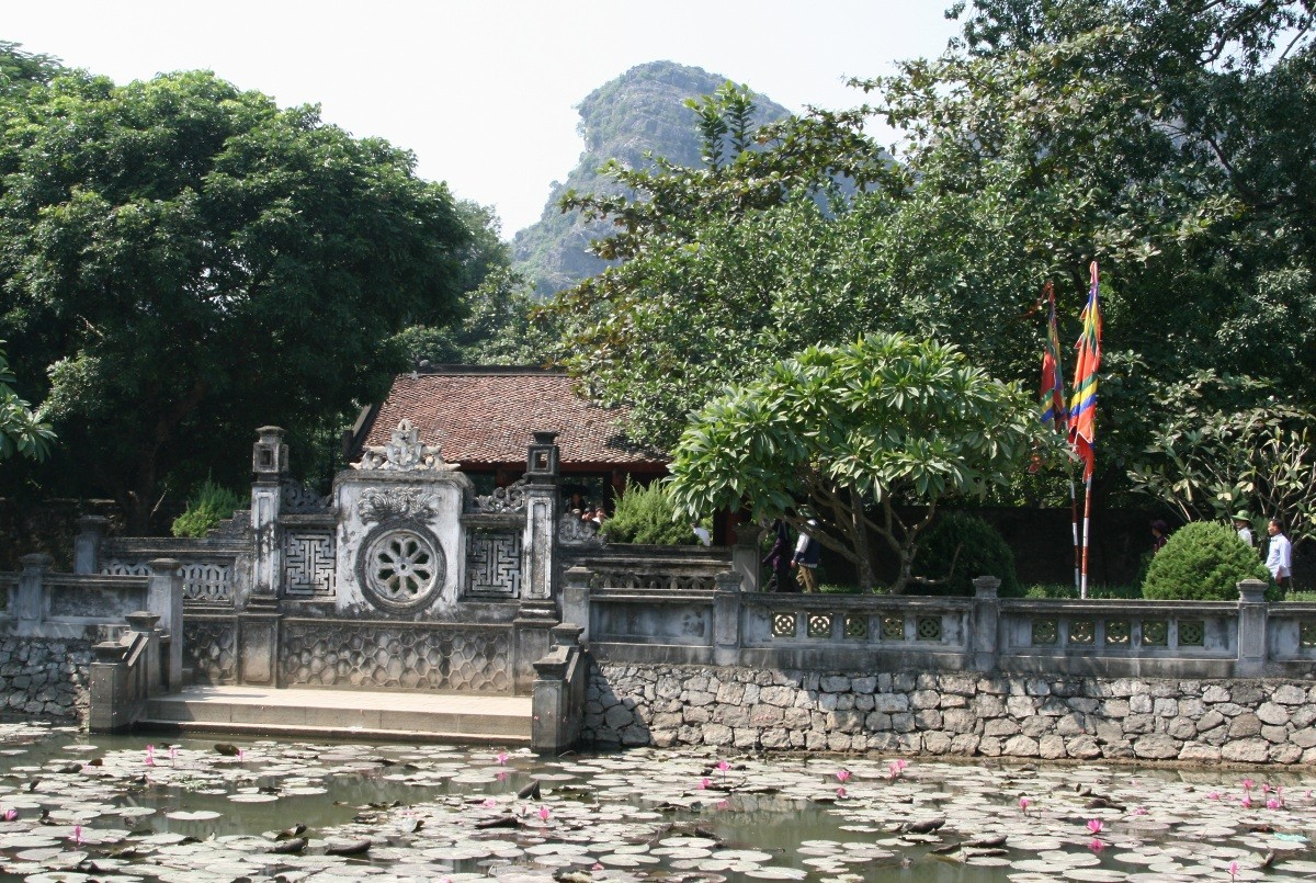 Ninh Binh - Hua Lu Ancient Capital X