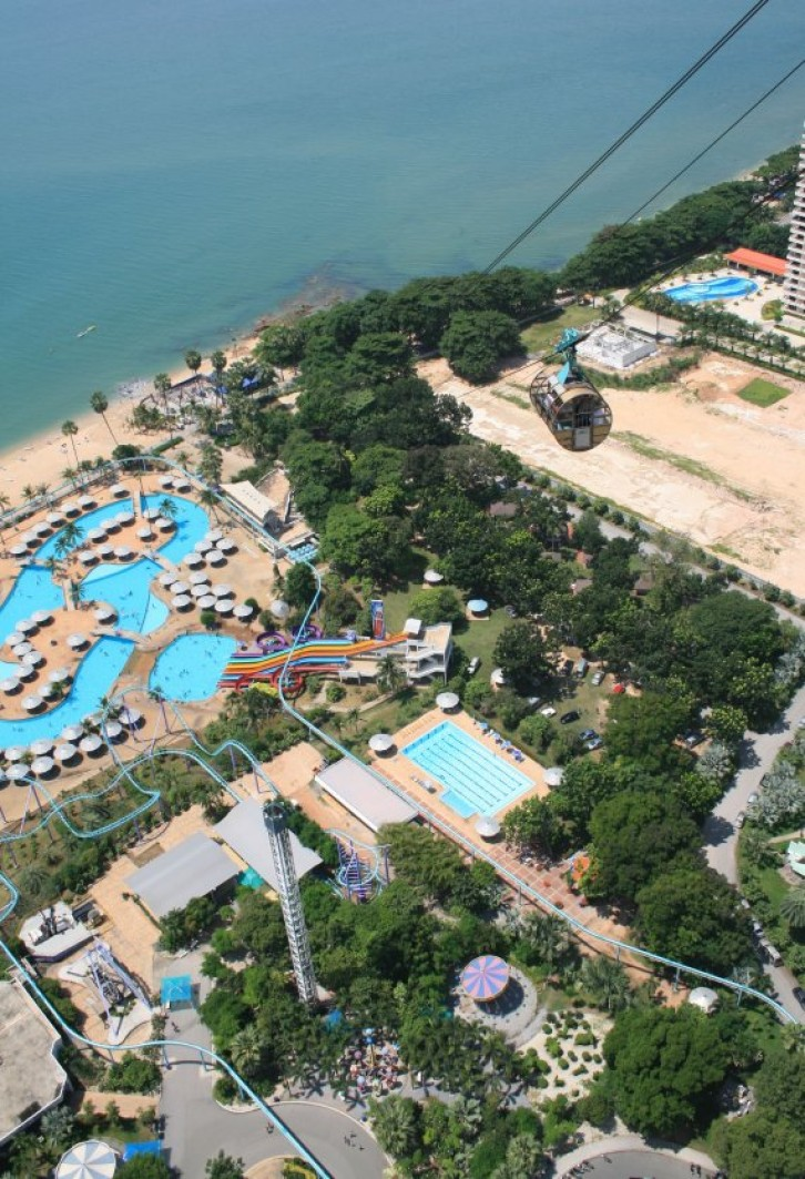 Pattaya - Ausblick vom Pattaya Park Tower IV