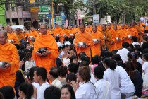Bangkok - Mass Alms Giving in Thonglor / Sukhumvit Soi 55 XII