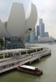 ArtScience Museum vor der Marina Bay Sands Mall