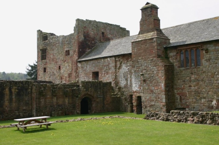 Hadrians Wall - Lanercost Priory I