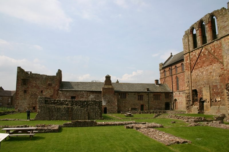 Hadrians Wall - Lanercost Priory III