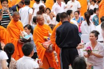 Bangkok - Mass Alms Giving in Thonglor / Sukhumvit Soi 55 XXIII